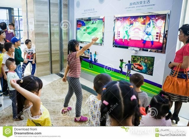 Камера Kinect Xbox 360 + диск с играми по цене 3200₽ - Аксессуары, фото 0