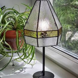 Настольные лампы и светильники - Настольная лампа из стекла в стиле Тиффани, 0
