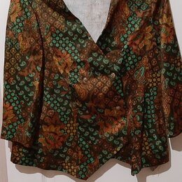 Костюмы - Новый женский костюм, размер 48-52, 0