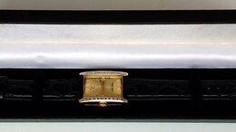 Наручные часы - Золотые часы с бриллиантами, 0