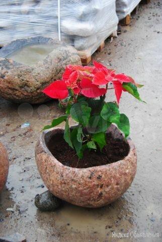 Вазон из натурального камня по цене 8000₽ - Садовые фигуры и цветочницы, фото 0