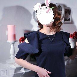Платья - Итальянское Платье с Воланом на Открытых Плечах 42, 0