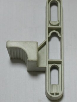 Кузовные запчасти  - Рукоятка замка нижнего бака, 0
