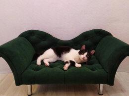 Лежаки, домики, спальные места - Диван для животных с каретной стяжкой, 0