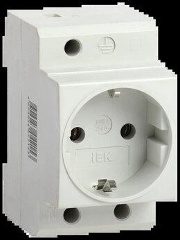 Электроустановочные изделия - Розетка РАр10-3-ОПс заземлением на DIN-рейку IEK, 0