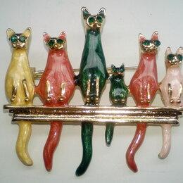 Броши - Брошь кошки, 6 котов в рядок, эмаль со стразами, дл. 5 см, 0