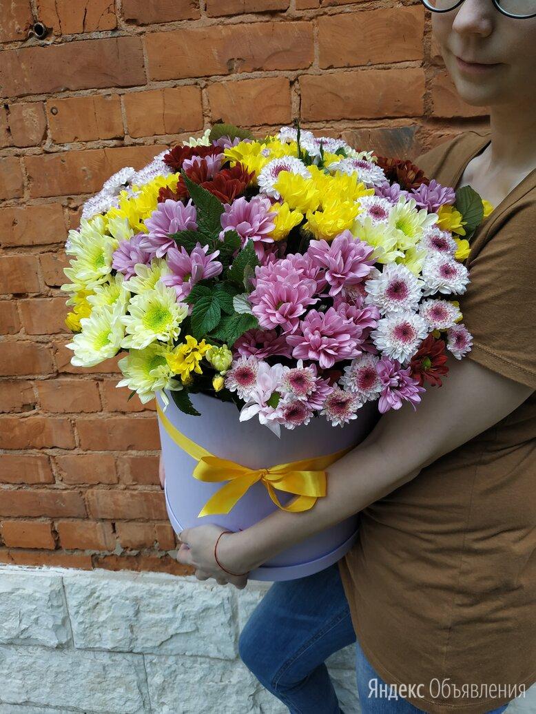 Шляпная коробка с цветами по цене 7800₽ - Цветы, букеты, композиции, фото 0