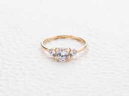 Кольца и перстни - Кольцо с 3 фианитами из красного золота, 0
