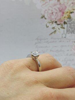 Кольца и перстни - Золотое кольцо с бриллиантом 0,90 ct, 0