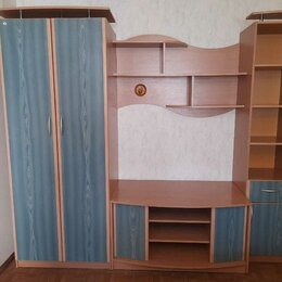 Стеллажи и этажерки - Стенка в отличном состоянии со шкафом и тумбой, 0