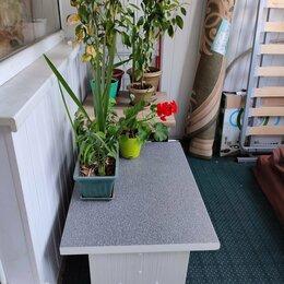 Столы и столики - Стол пластик для цветов и т. п., 0
