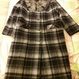 Пальто - Женское пальто из шерсти с чернобуркой, 0