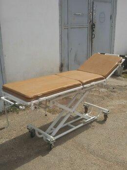 Оборудование и мебель для медучреждений - кушетка медицинская передвижная, 0