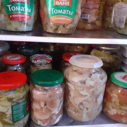 Продукты - грузди соленые, маслята, варенье, огурчики, 0