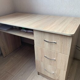 Компьютерные и письменные столы - Стол офисный, 0