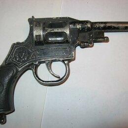 Игрушечное оружие и бластеры - Револьвер игрушечный пистонный, СССР, 0