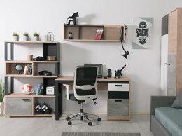 Компьютерные и письменные столы - Либерти БЛЭК С1 стол письменный с ящиками на…, 0