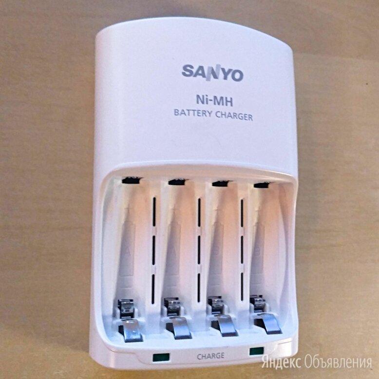 Зарядное устройство Sanyo eneloop AA AAA по цене 850₽ - Зарядные устройства и адаптеры питания, фото 0