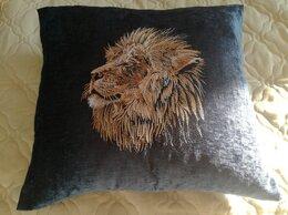 Декоративные подушки - Декоративная подушка с машинной вышивкой, 0