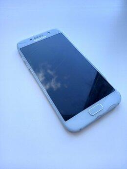 Мобильные телефоны - Samsung Galaxy A5  (2017) 32GB, 0