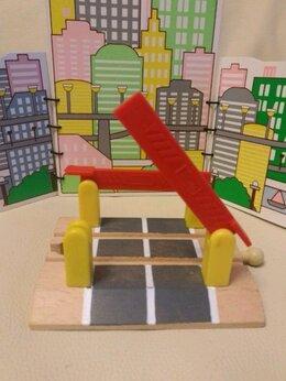 Детские железные дороги - Переезд для деревянной железной дороги. , 0