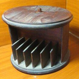 Кронштейны и стойки - Две поставки, каждая под 14 аудиокассет, 0
