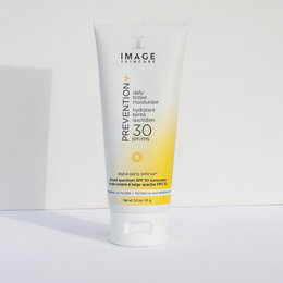 Загар и защита от солнца - IMAGE Skincare PREVENTION+ daily tinted moisturizer SPF 30, 0