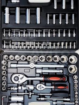 Наборы инструментов и оснастки - Набор инструментов Attacker в чемодане новый, 0