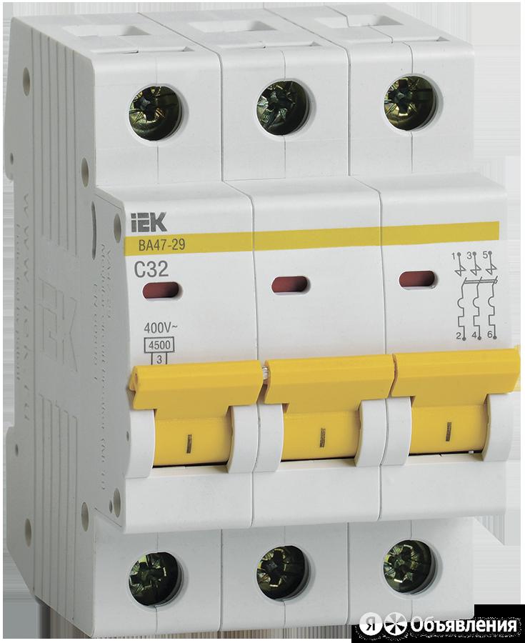 Автоматические выключатели модульные IEK Автоматический выключатель 3п C32 4.... по цене 505₽ - Электрические щиты и комплектующие, фото 0
