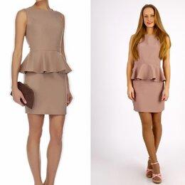 Платья - Новое женское бежевое платье с баской, Mondigo, 0