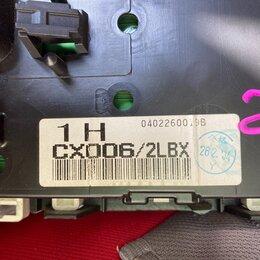 Интерьер  - Панель приборов ниссан серена TNC24. 2003г, 0
