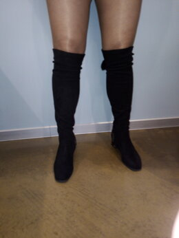 Сапоги - Продам высокие сапоги со стразами 39 размер, новые, 0