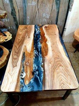 Столы и столики - Обеденный стол из массива дерева с эпоксидной…, 0