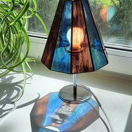 Настольные лампы и светильники - Настольная лампа-светильник в стиле Тиффани, 0