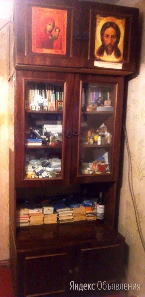 Сервант с стеклянными дверцами по цене 2000₽ - Шкафы, стенки, гарнитуры, фото 0
