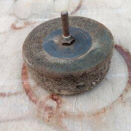 Наборы инструментов и оснастки - Круг войлочный, диаметр 130мм, толщина 40мм, 0