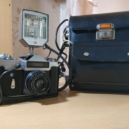 Пленочные фотоаппараты - Фотоаппарат Зенит-Е с фотовспышкой Луч-70, 0