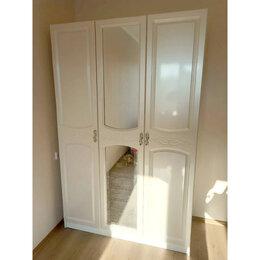 Шкафы, стенки, гарнитуры - Шкаф трех створчатый (Жемчуг/Белый), 0