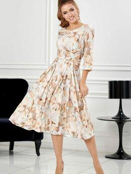 Платья - Элегантное платье из нежной, струящейся ткани…, 0