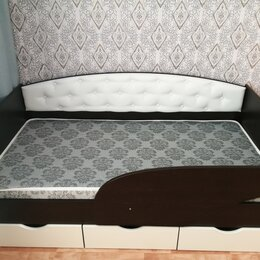 Кроватки - Кровать с бортиком и мягкой спинкой, 0
