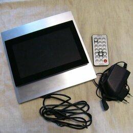 Цифровые фоторамки и фотоальбомы - Цифровая видеорамка Toshiba DPF7XSE, 0
