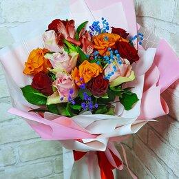 Цветы, букеты, композиции - Красивый букет с розами с доставкой за час, 0