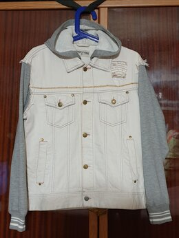 Куртки - Джинсовая куртка с капюшоном, 0