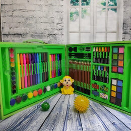Рисование - Набор для рисования в деревянном чемоданчике с…, 0