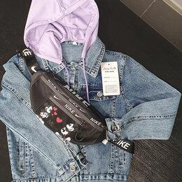 Куртки и пуховики - Джинсовая куртка с капюшоном  и рисунком на спине , 0