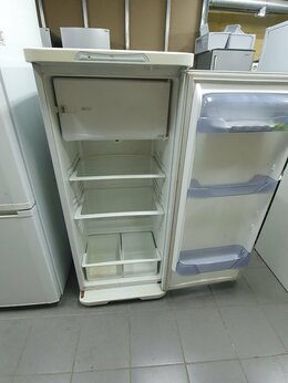 Холодильники - Б у бирюса 237 гарантия, 0