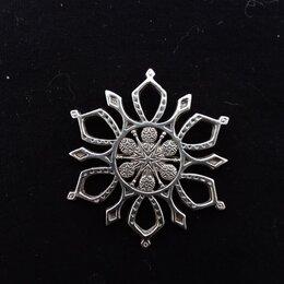 Броши - Брошь-подвеска Снежинка , серебро, 10 гр., d - 4,5 см, MFA Sterling, CША, 0