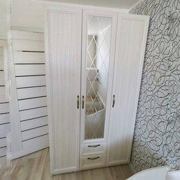 Шкафы, стенки, гарнитуры - Шкаф 3-х створчатый ,со стеклом, 0