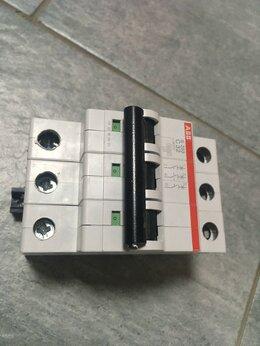 Защитная автоматика - Выключатель автоматический трехполюсный 32А С…, 0