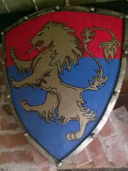 Флаги и гербы - Герб на щите, 0